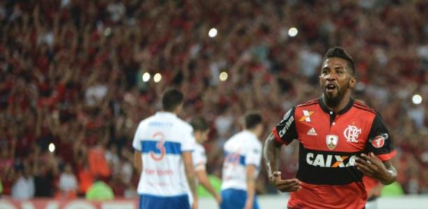Rodinei fez um dos gols do Flamengo na vitória sobre a Universidad Católica