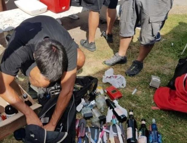 Polícia encontrou facas, maconha e cocaína com torcedores do River Plate - Divulgação
