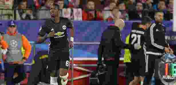 Paul Pogba entra no lugar de Ander Herrera na partida entre Sevilla e Manchester United - Aitor Alcalde/Getty Images - Aitor Alcalde/Getty Images