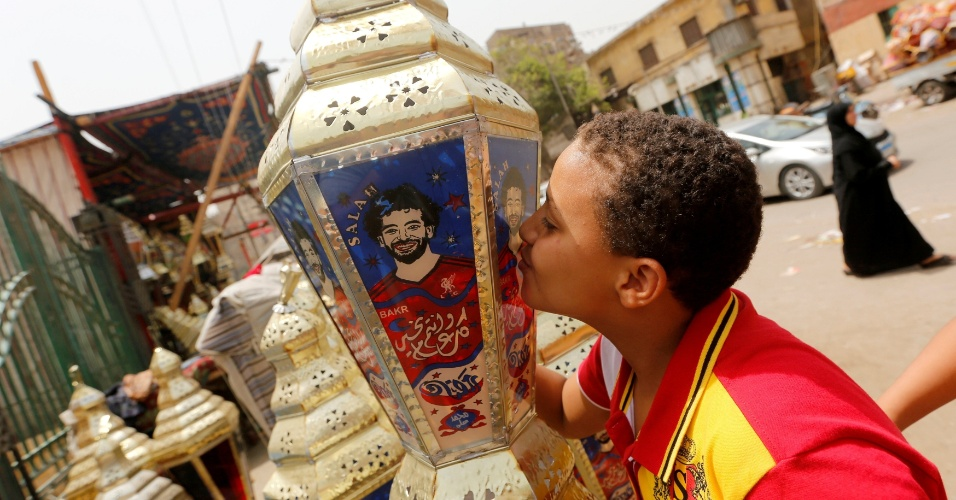 """A """"SalahMania"""" invadiu o coração até dos pequenos egípcios"""