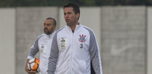Loss foi efetivado no cargo de treinador depois do acerto de Carille com o Al-Wehda