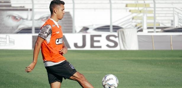 Igor Vinicius durante treinamento da Ponte Preta - PontePress/LuizGuilhermeMartins