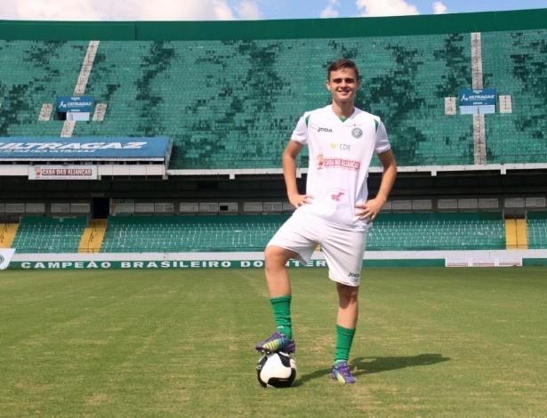 Gabriel Poveda trocou o Guarani pelo Athletico para a disputa do Paranaense