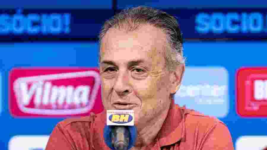 Ocimar Bolicenho deixa o cargo de diretor de futebol do Cruzeiro após derrota por 1 a 0 para o Coimbra - Gustavo Aleixo/Cruzeiro