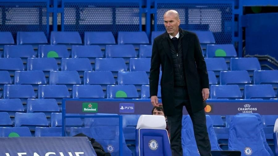 Zidane, técnico do Real Madrid, durante a partida contra o Chelsea - Getty Images