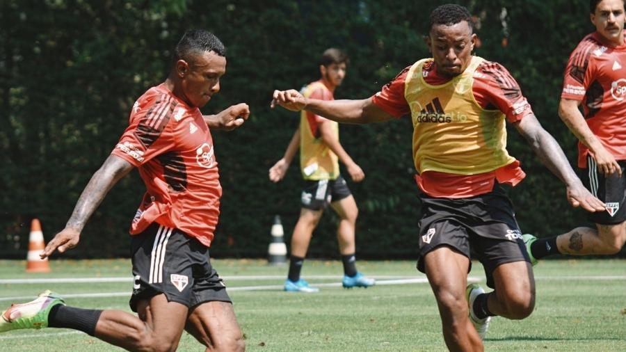 Marquinhos e Welington em treino do São Paulo, no CT da Barra Funda - Erico Leonan / saopaulofc