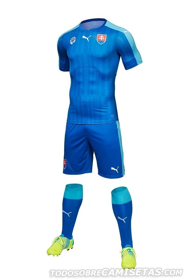 GRUPO B: Eslováquia (camisa reserva, Puma)