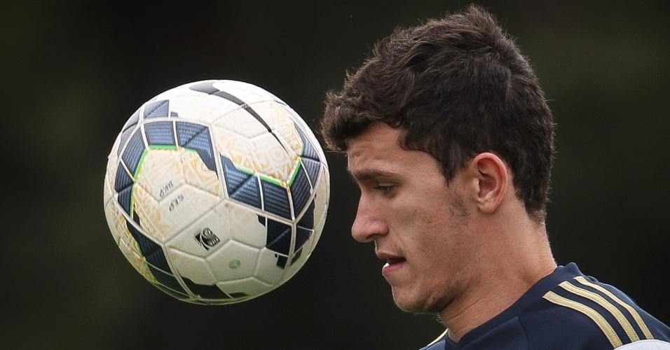 Nathan durante treino do Palmeiras