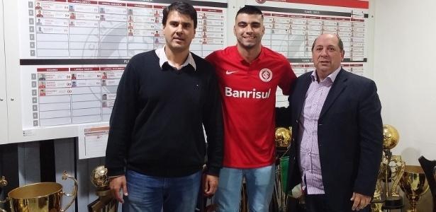 Inter anuncia a contratação de Léo Coca, que deixa o Botafogo-SP