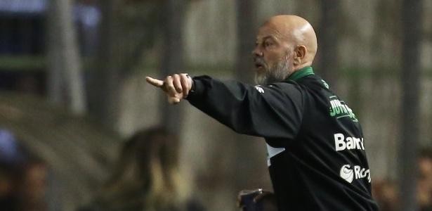 Boa temporada com o Juventude pode levar Antônio Carlos a trocar de clube