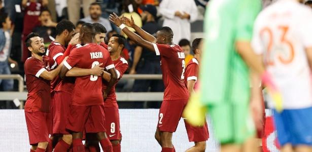 Jogando em casa, Qatar venceu russos por 2 a 1