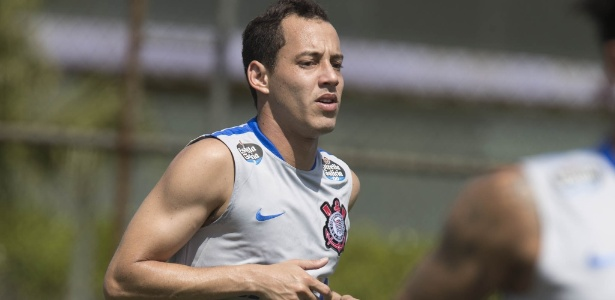 Rodriguinho, principal jogador do Corinthians no ano, estará em campo contra o Cruzeiro