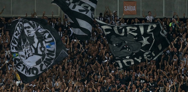 Organizadas do Botafogo promoveram pancadaria durante jogo da Libertadores - Vitor Silva/SSPress/Botafogo.