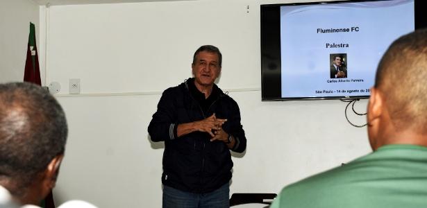 Parreira dá palestra aos treinadores da base do Fluminense