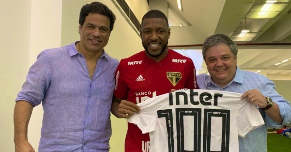 5d44e3990a Jucilei completa 100 jogos com a camisa do São Paulo neste domingo
