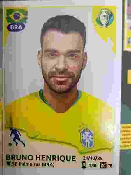 Figurinha de Bruno Henrique no álbum da Copa América - UOL