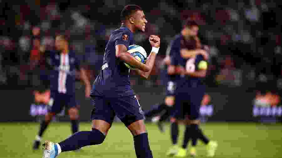 Mbappé comemora gol de empate na final do Troféu dos Campeões -  FRANCK FIFE / AFP