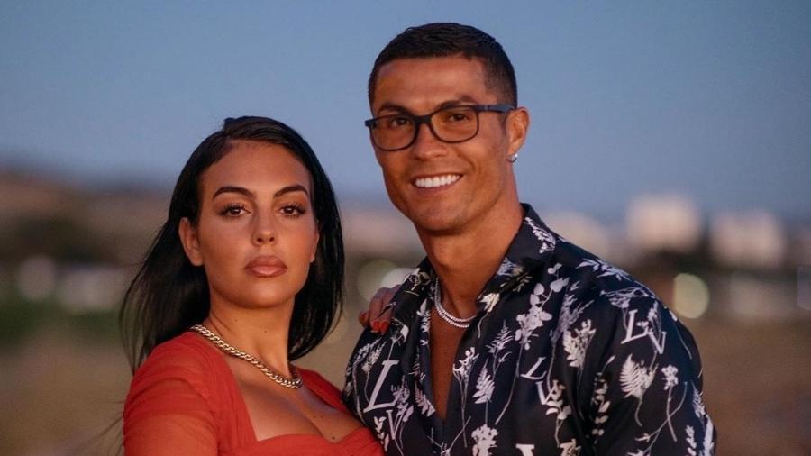 Mulher diz que proíbe Cristiano Ronaldo de trocar lâmpadas na mansão - Reprodução/Instagrma