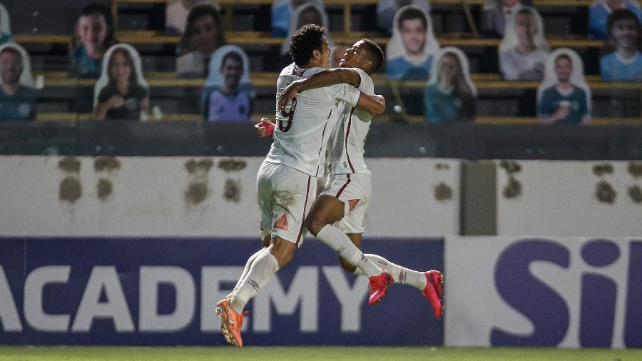 Fred comemora seu gol no jogo do Fluminense contra o Goiás, pelo Brasileirão - Lucas Merçon/Fluminense