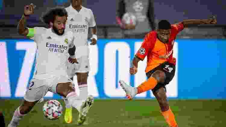 Tetê comemorou atuação diante do Real Madrid - Reprodução/Instagram @furacaotete - Reprodução/Instagram @furacaotete