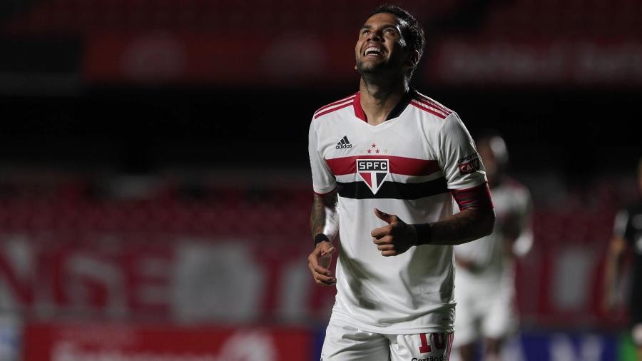 Daniel Alves volta à lateral direita do São Paulo em jogo no Allianz Parque - Rubens Chiri / saopaulofc.net