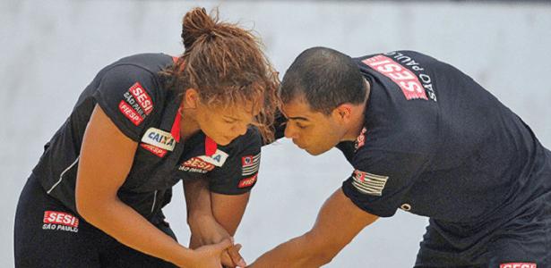 Aline Silva em um treino com o marido Flávio Ramos