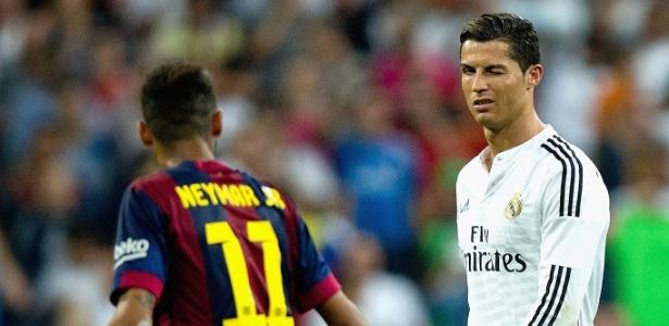 Cristiano Ronaldo e Neymar durante duelo entre Real Madrid e Barcelona