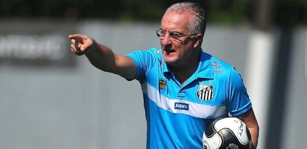 Dorival não participou dos treinos do Santos nesta terça-feira por problemas pessoais