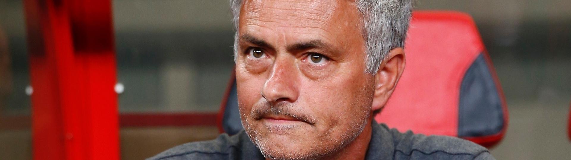 Técnico do United, Mourinho acompanha o amistoso contra Dortmund