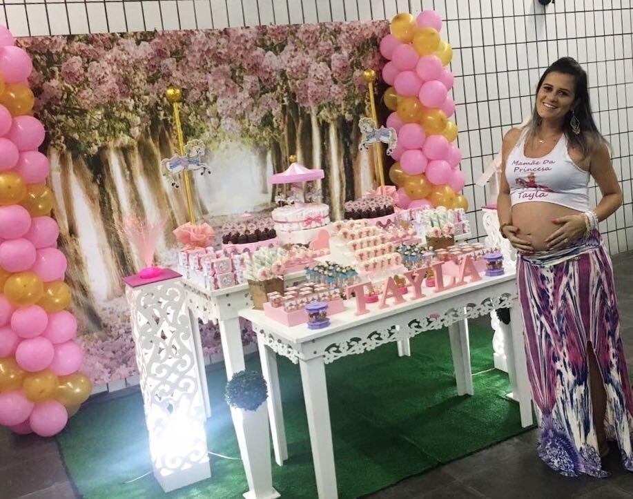 Talita Oliveira, mulher do lutador Charles do Bronx, fez festinha especial para Tayla, primeira filha do casal