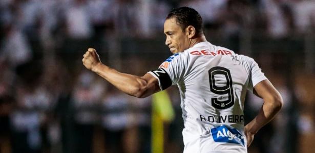 Ricardo Oliveira chegou em 2015 e tem contrato com o Santos até dezembro deste ano