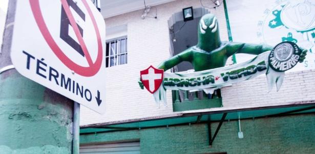 Imagem da fachada da Mancha Alviverde; organizada quer mostrar bom comportamento