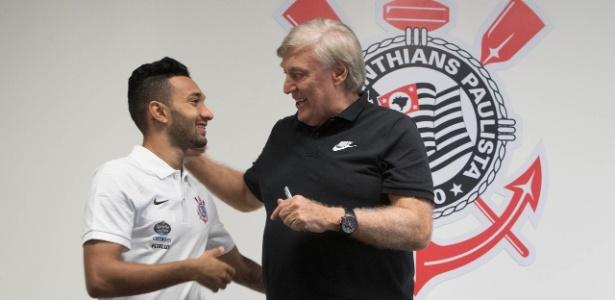 Diretor detalha especulações e diz quem tem chance de chegar ao Corinthians