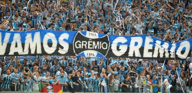 Grêmio faz novo acordo com Lanús e abre venda de mais mil ingressos.  Ricardo Rímoli AGIF ea70e5e9eb3d4