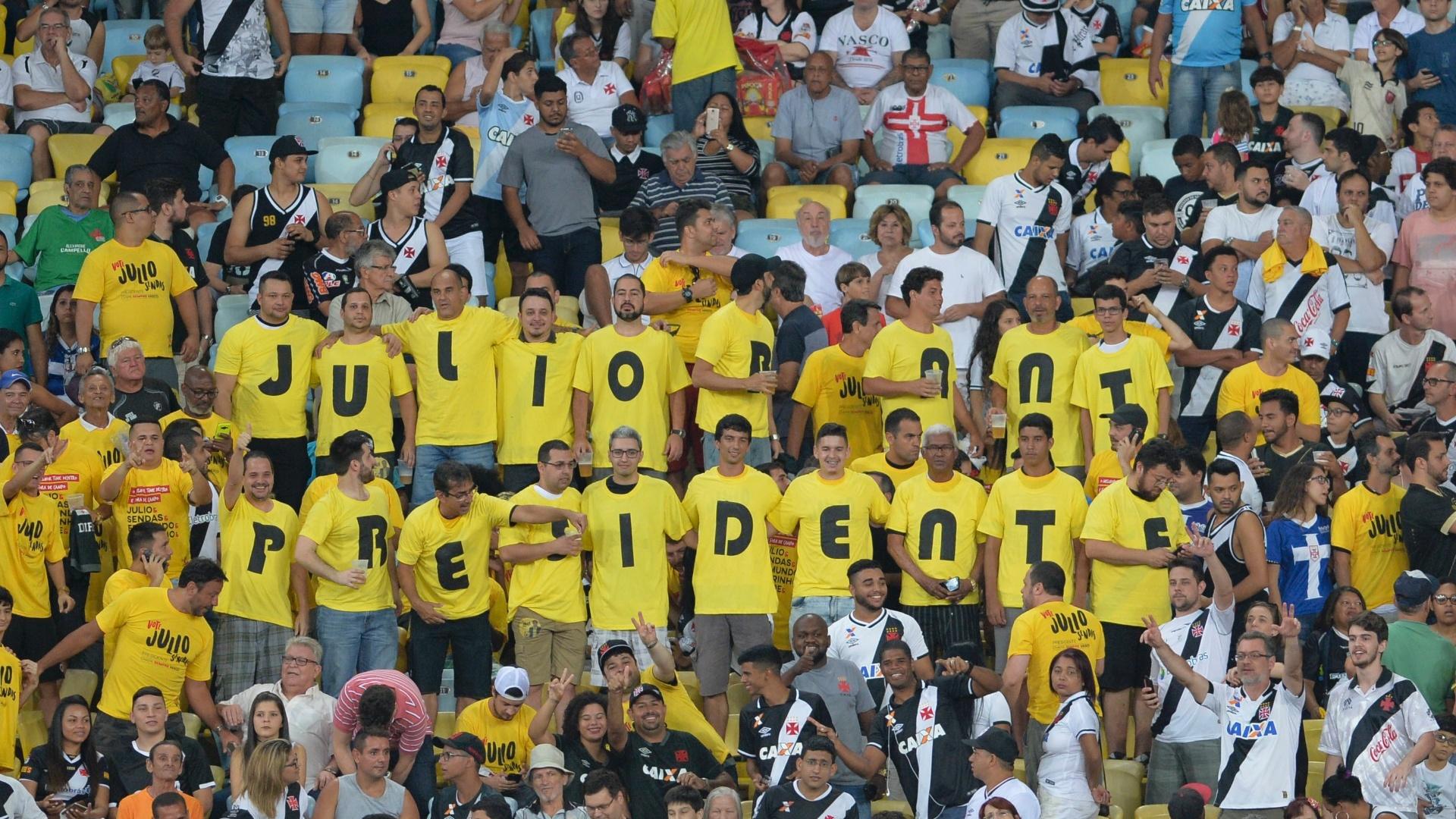 Torcida do Vasco faz campanha em apoio a Julio Brant como presidente do Vasco
