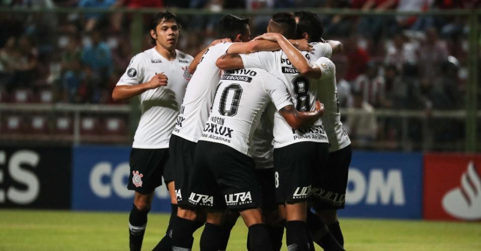 Copa Libertadores | Com 3 de Jadson, Corinthians goleia o Lara e se classifica