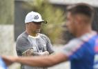 Sampaoli diz que desconhecia situação financeira do Santos e pede reforços