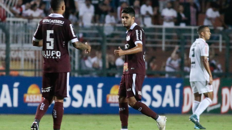 5257477c7 Fluminense negocia com Leo Artur, ex-Corinthians e destaque da ...