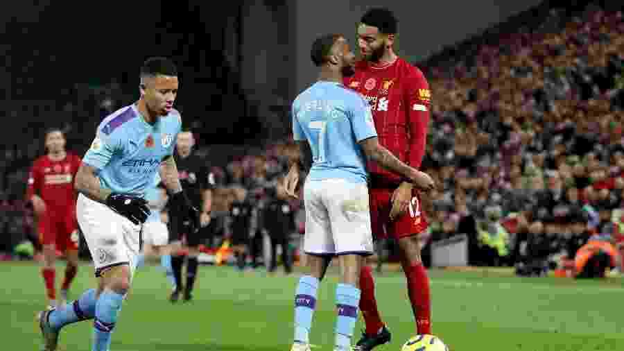 Manchester City e Liverpool se enfrentam em rodada após o título dos reds  - Carl Recine/Reuters