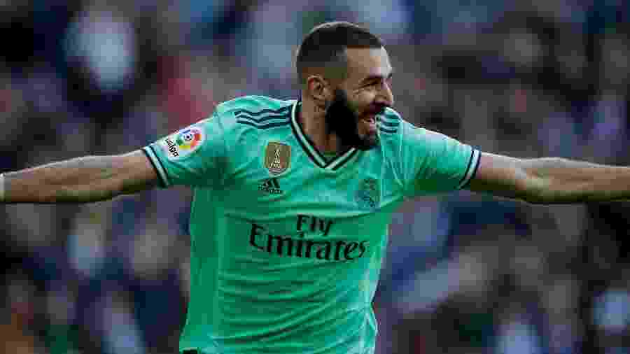 07.12.2019 - Karim Benzema após marcar o segundo gol do Real Madrid contra o Espanyol - Getty Images