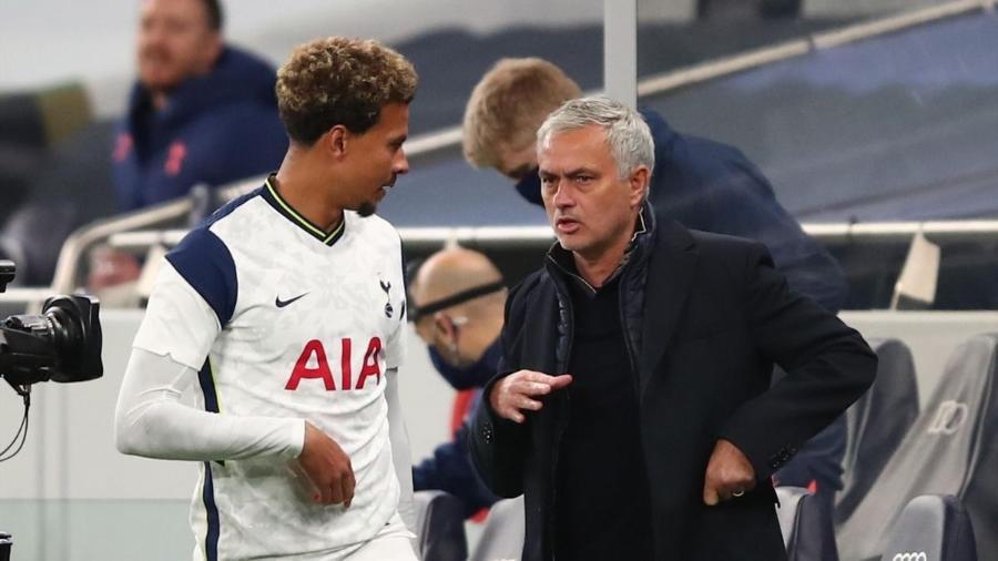 José Mourinho estará à frente do Tottenham na partida contra o Marine - Getty Images