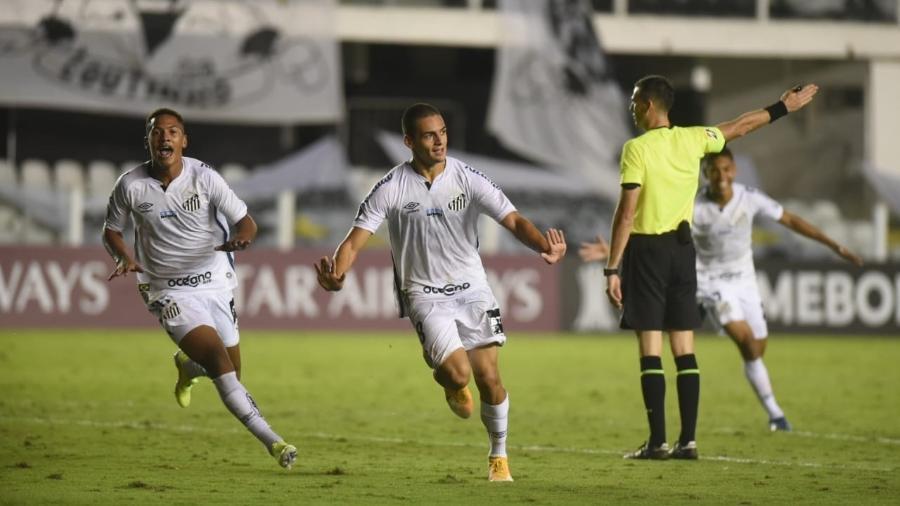 Kaiky Melo, de apenas 17 anos, se tornou o 2ºjogador mais novo a marcar um gol na história da Libertadores - Ivan Storti/Santos FC