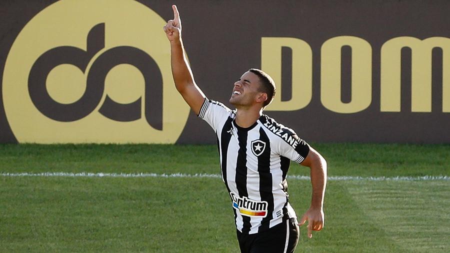 Felipe Ferreira, meia do Botafogo, comemora seu gol - ANDRE MELO ANDRADE/IMMAGINI/ESTADÃO CONTEÚDO
