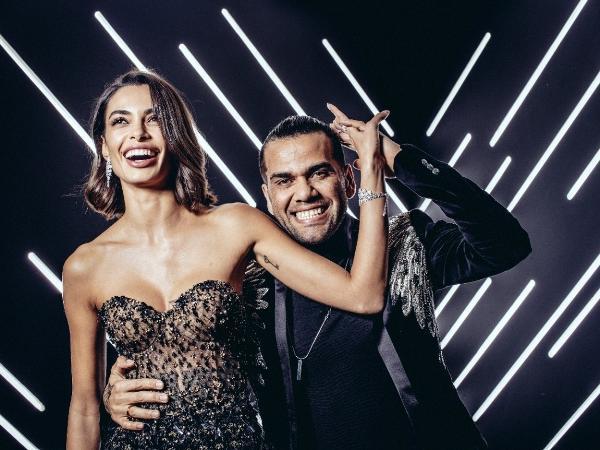 Daniel Alves e Joana Sanz comemoram seis anos juntos