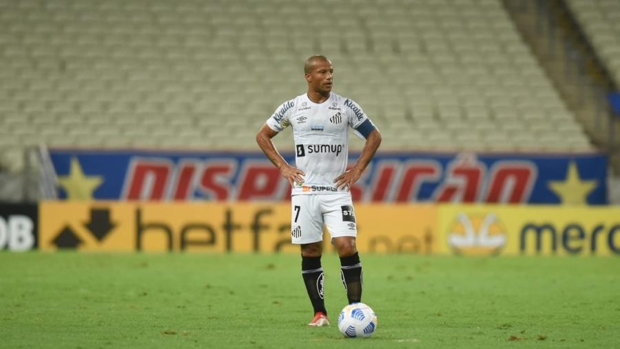 Carlos Sánchez no duelo Fortaleza x Santos -  Ivan Storti/Santos FC