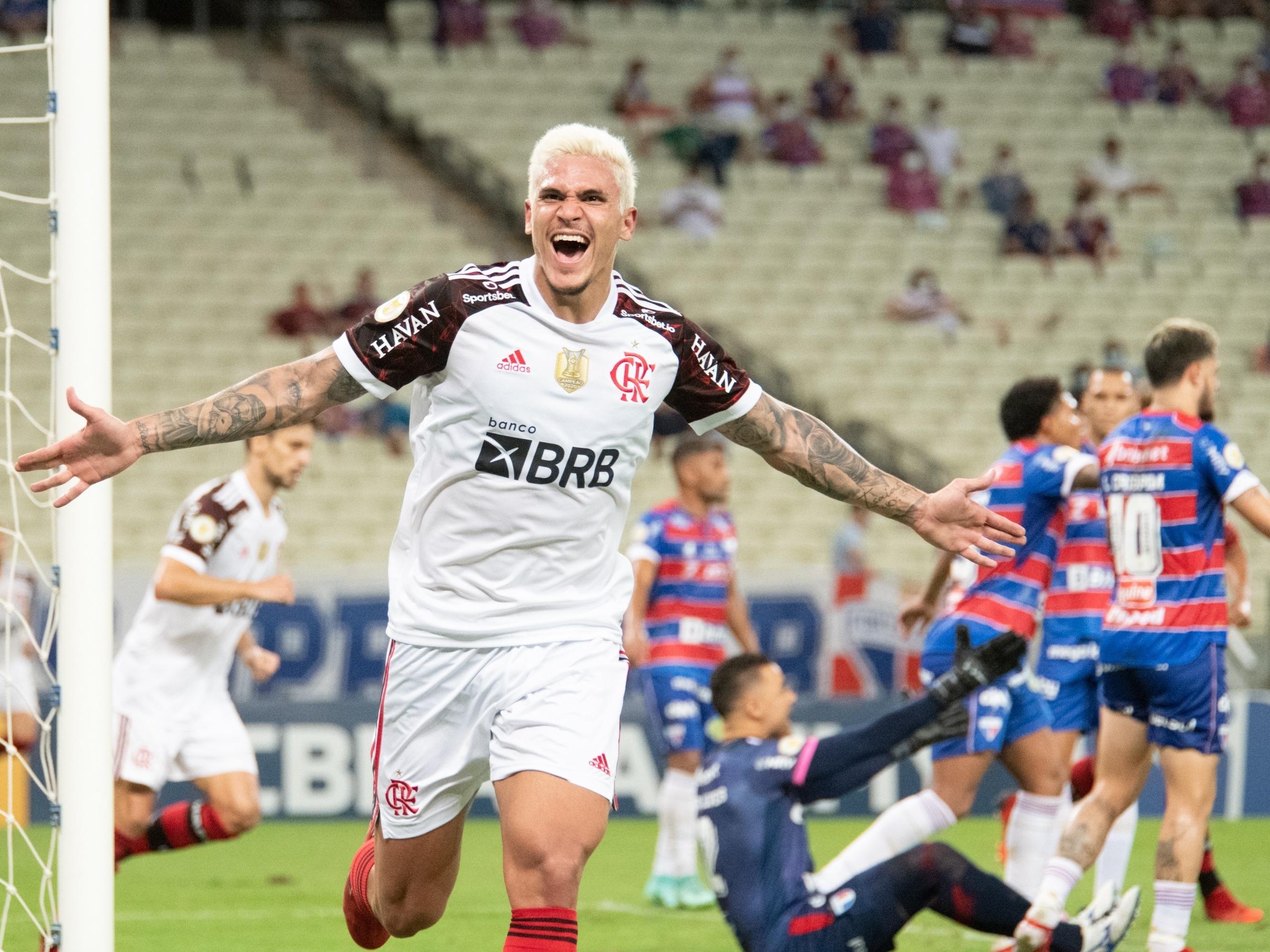 Clube do Flamengo sobrevive em meio ao caos e dá demonstração de força na luta pelo tri