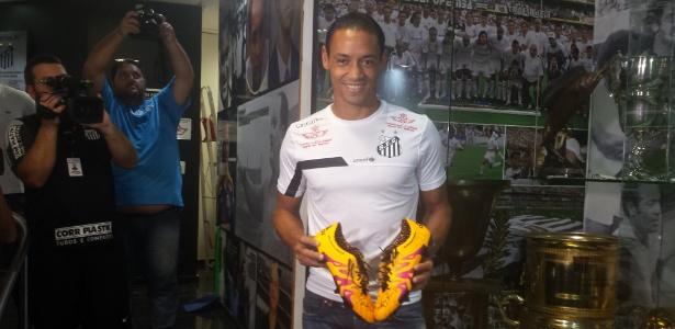 Ricardo Oliveira recebe R$ 150 mil mensais de salário atualmente na Vila Belmiro