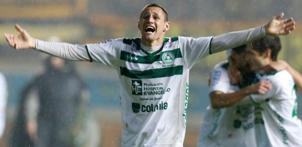 Nicolás Dibble, 22 anos, joga pelo Plaza Colonia-URU e tem nome analisado pelo Inter