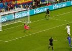 Pênalti defendido por croata teve dica de Modric e seis irregularidades - Regis Duvignau/Reuters