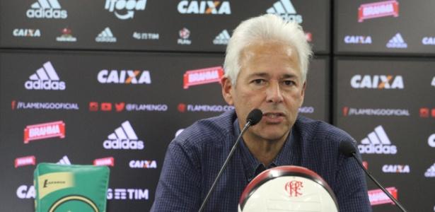 Vice-presidente de futebol, Flávio Godinho adota cautela ao tratar do planejamento